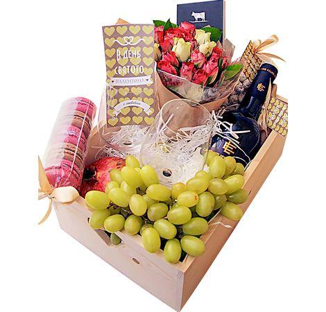 Дерев'яний подарунковий ящик з трояндами, фруктами і вином. superflowers.com.ua. Купити дерев'яний подарунковий ящик з рожевими трояндами і солодощами
