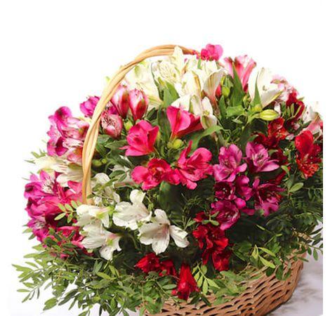 Букет из Альстромерий. Superflowers.com.ua. Купить букет Альстромерий с доставкой по Украине